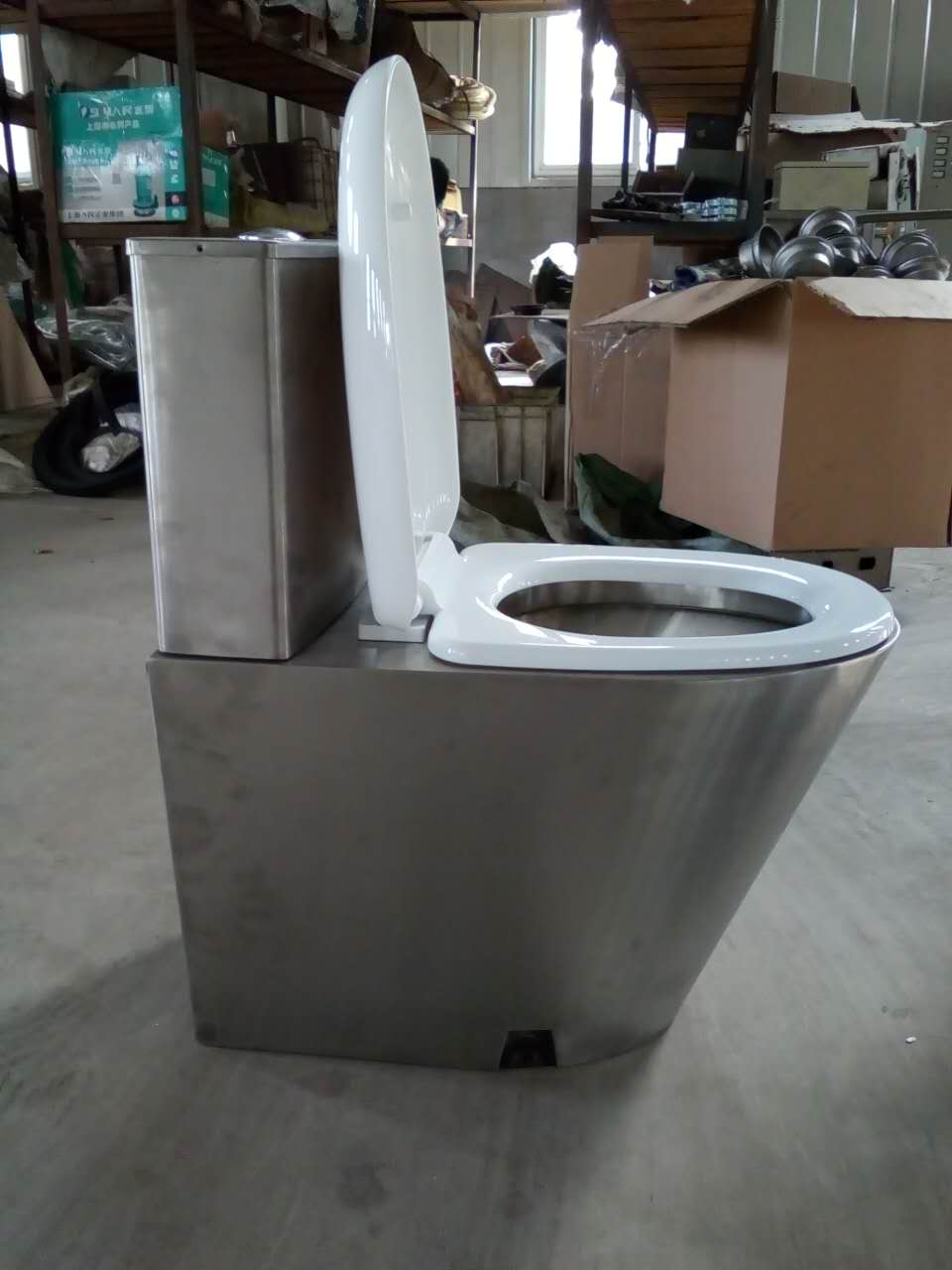 不锈钢水箱式坐便器